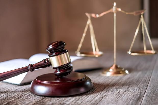 총선 선거일 투표사무원의 안내가 불친절하다는 이유로 욕설을 퍼붓고 폭행한 40대가 실형을 선고받고 법정구속됐다. 사진=게티이미지뱅크