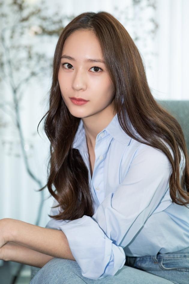 '애비규환'으로 스크린에 데뷔한 에프엑스 크리스탈(정수정) /사진=에이치앤드 제공