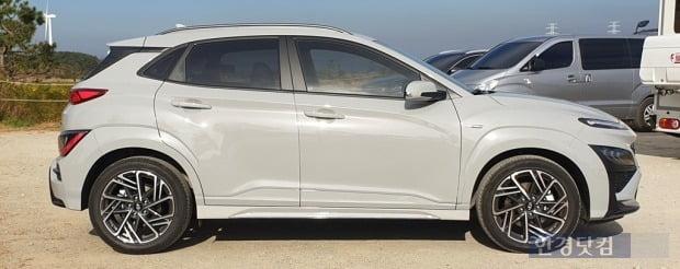 현대차가 선보인 소형 SUV 더 뉴 코나 N라인. 사진=오세성 한경닷컴 기자