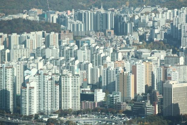 영등포구 63스퀘어에서 바라본 서울 시내 아파트 모습.  사진=연합뉴스