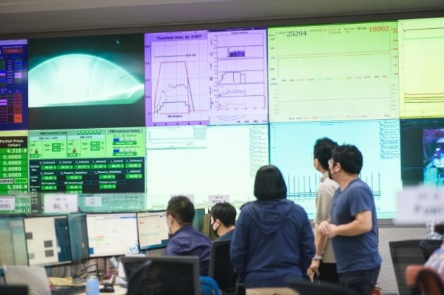 KSTAR 실험 장면 [사진=한국핵융합에너지연구원 제공]