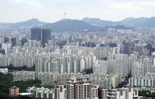 서울 아파트 전세거래가 11월 역대 최저치로 떨어졌다. 서울 아파트 전경. / 사진=연합뉴스