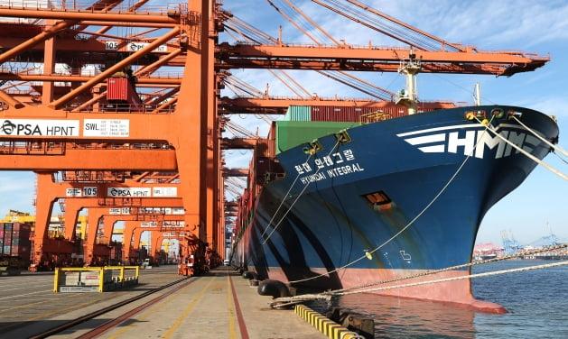 HMM, 美 노선에 5번째 임시선박 투입…중견·중소기업 화물 64% 차지