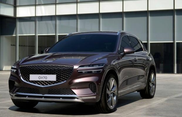 제네시스 브랜드가 내달 두 번째 SUV GV70을 선보인다. 사진=제네시스