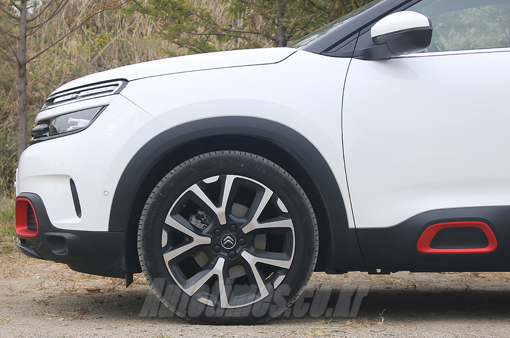 [시승]가족친화형 SUV, 시트로엥 C5 에어크로스
