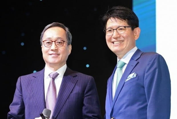 """The tripartite alliance that includes KCGI """"It is violating the right of shareholders to acquire new shares by assigning new shares to third parties to defend management rights.""""Complaints.  Photos = Yonhap News"""