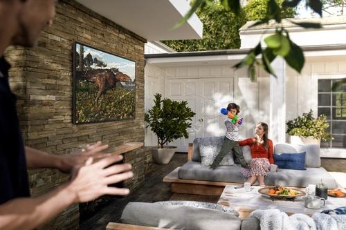오프라 윈프리가 추천한 연말 선물에 삼성전자 더 테라스 TV