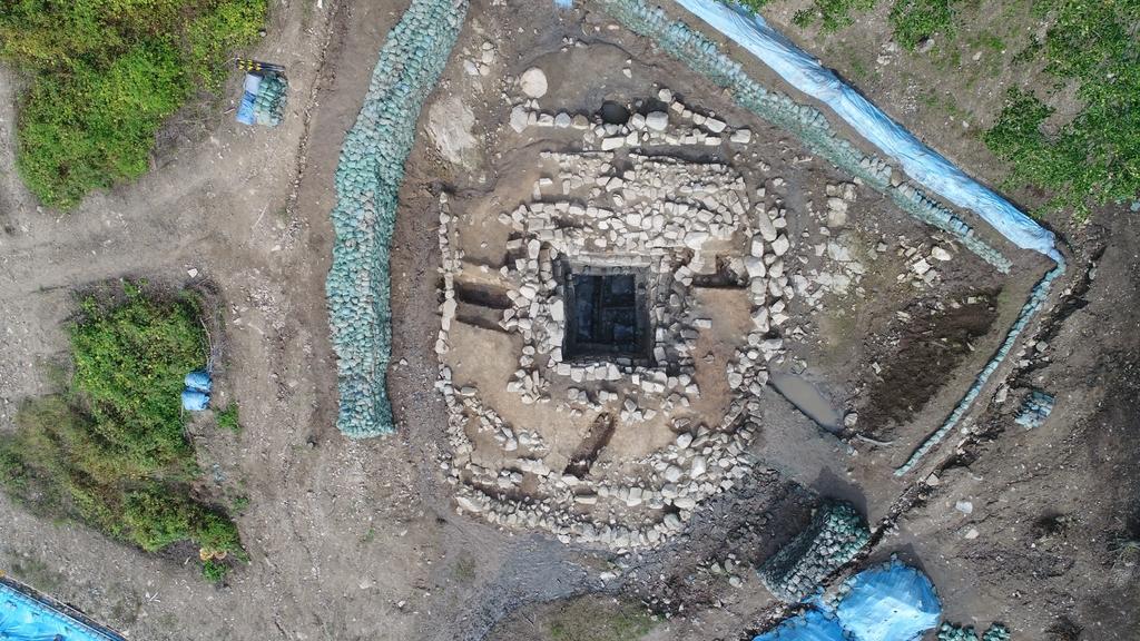 양주 대모산성서 고대 성벽축조 방식 및 집수지 확인