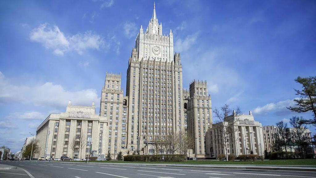 푸틴, 서방 식료품 금수 제재 내년 말까지 연장…대러 제재 보복