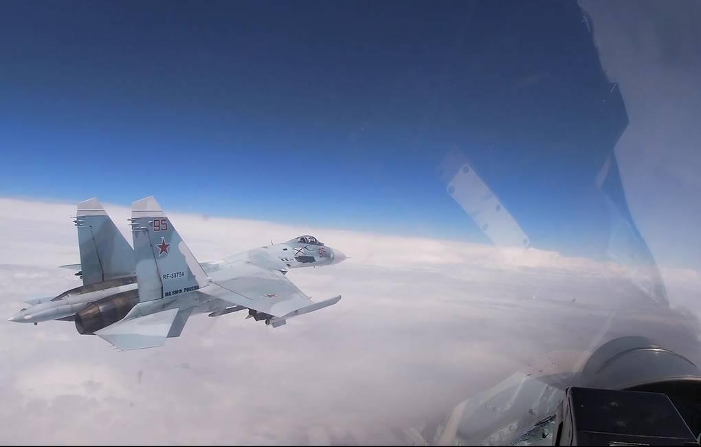 러시아 전투기, 흑해서 미국 정찰기와 한때 대치