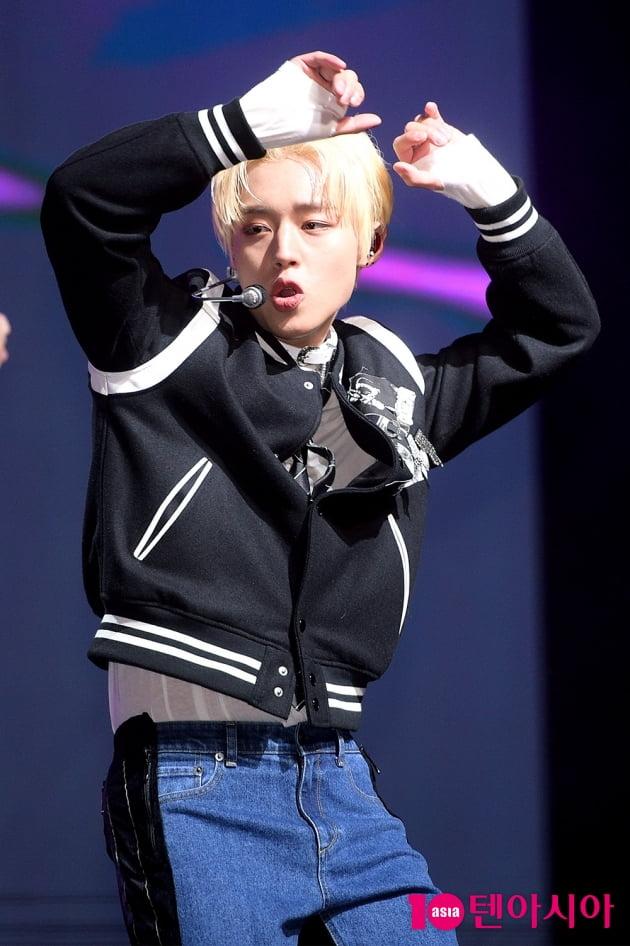 [B컷 방출] 박지훈, 놀라운 변신…퇴폐美로 여심 'GOTCHA'