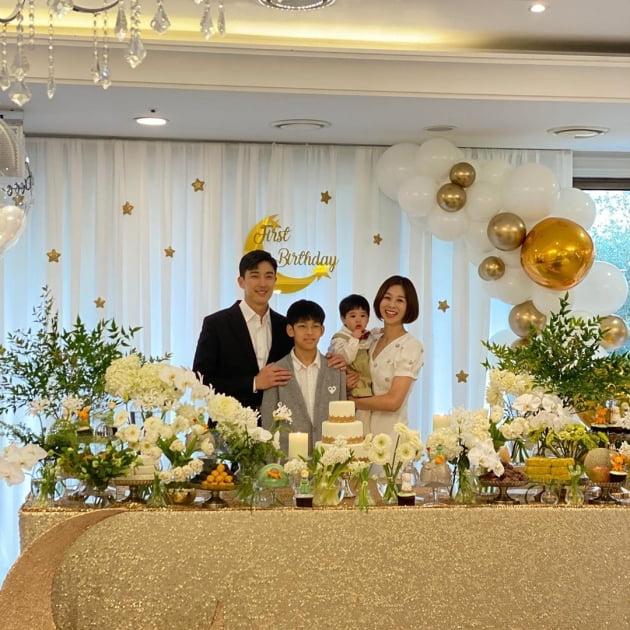 """장신영♥강경준 가족, 둘째 돌잔치에 행복 """"올해 최고의 하루"""""""