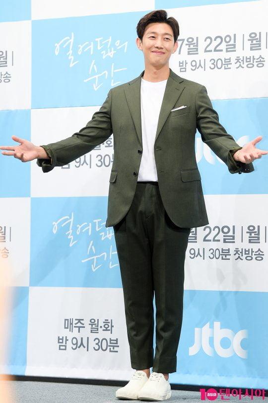 "[B컷 방출] ""임팩트를 가진 배우""…강기영, 나무엑터스와 전속계약"