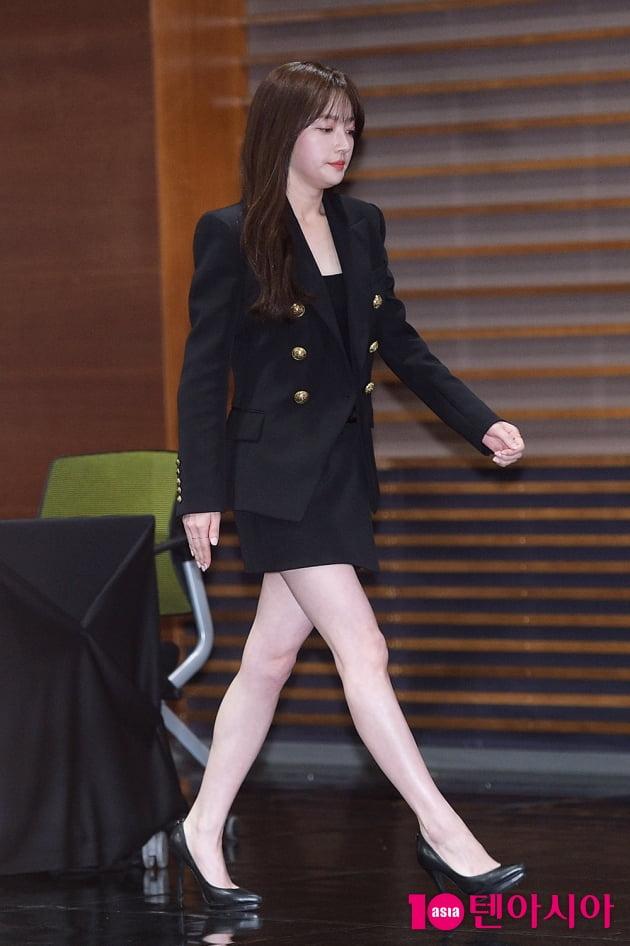 [TEN 포토] '제발 그 남자 만나지 마요' 송하윤, 초미니+하이힐로 비율여신 완성