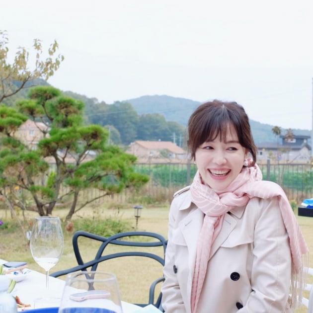 """하희라♥최수종, 선한 미소까지 닮은 부부 """"사랑하는 사람들과"""""""