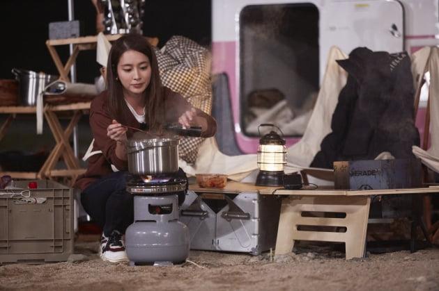 '갬성캠핑'에 출연한 배우 이민정/ 사진=JTBC 제공