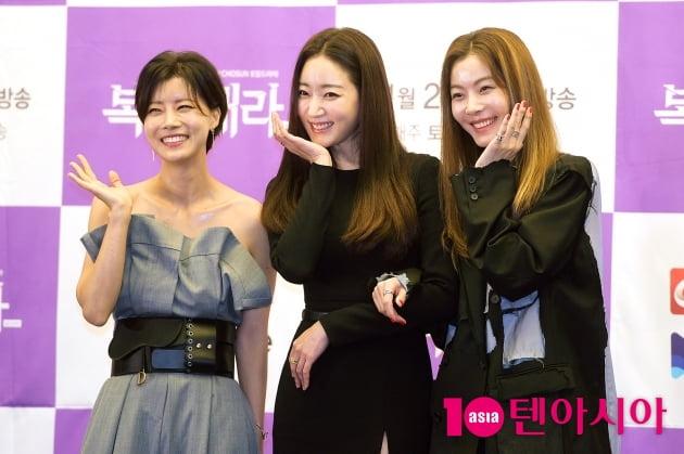[TEN 포토] '복수해라' 유선X김사랑X윤소이, '우리는 꽃'