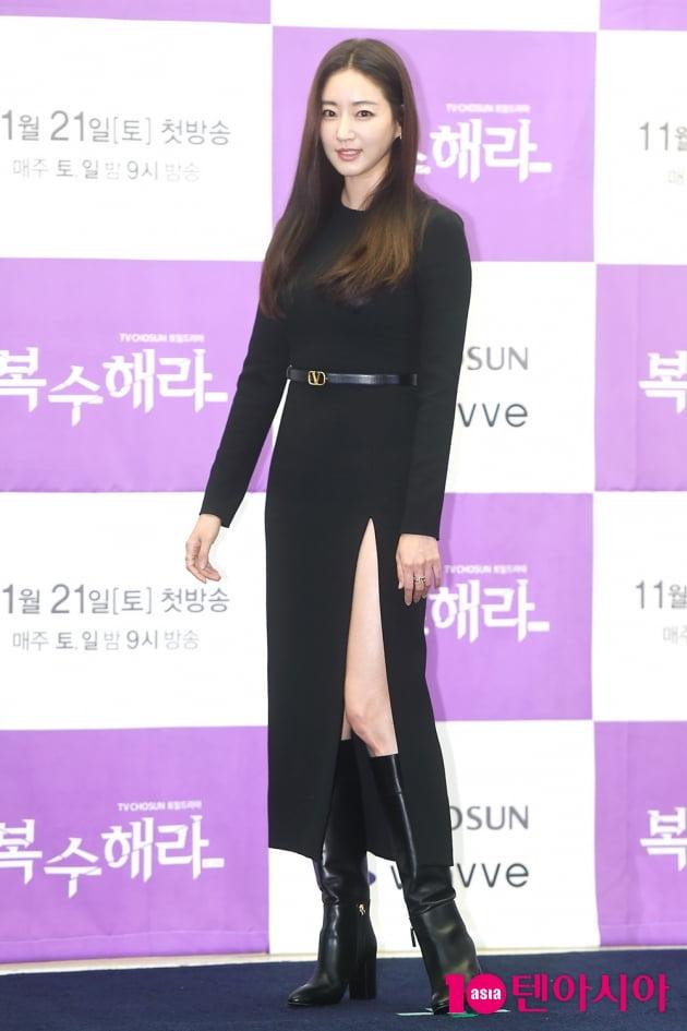 [B컷 방출] '복수해라' 김사랑, 허벅지까지 트인 '섹시 폭탄' 원피스