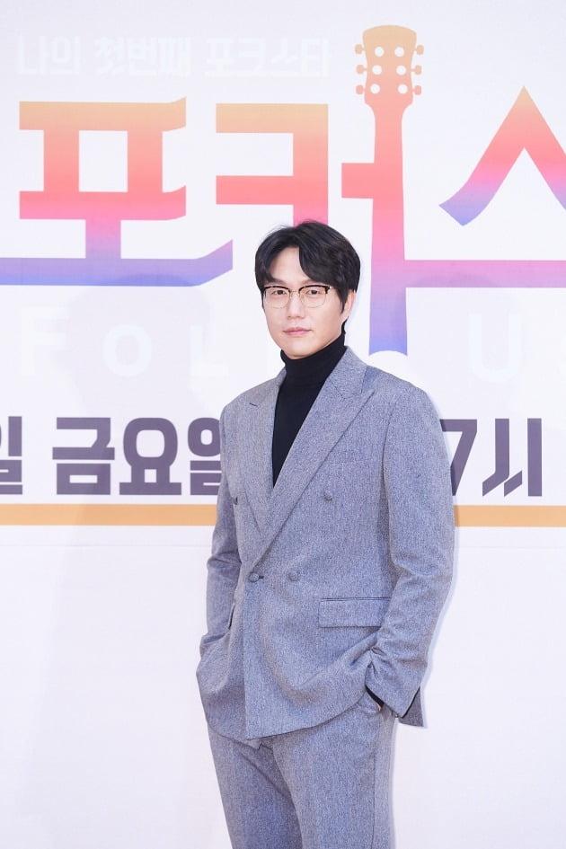 '포커스' 심사위원 성시경/ 사진=Mnet 제공