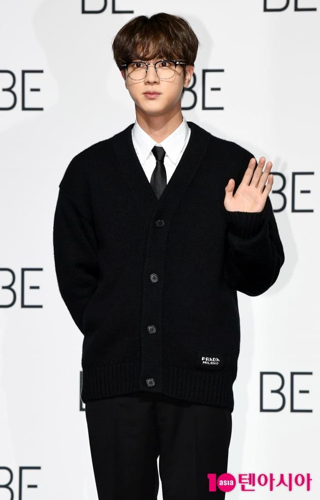 [TEN 포토] 방탄소년단 진 '모범생 포스'