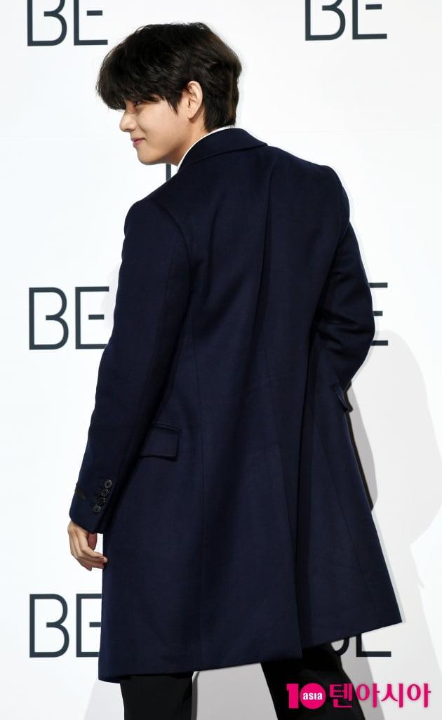 [TEN 포토] 방탄소년단 뷔 '포토타임은 스타일리쉬하게'