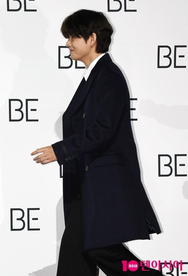 [TEN 포토] 방탄소년단 뷔 '어 댄스타임인가?'