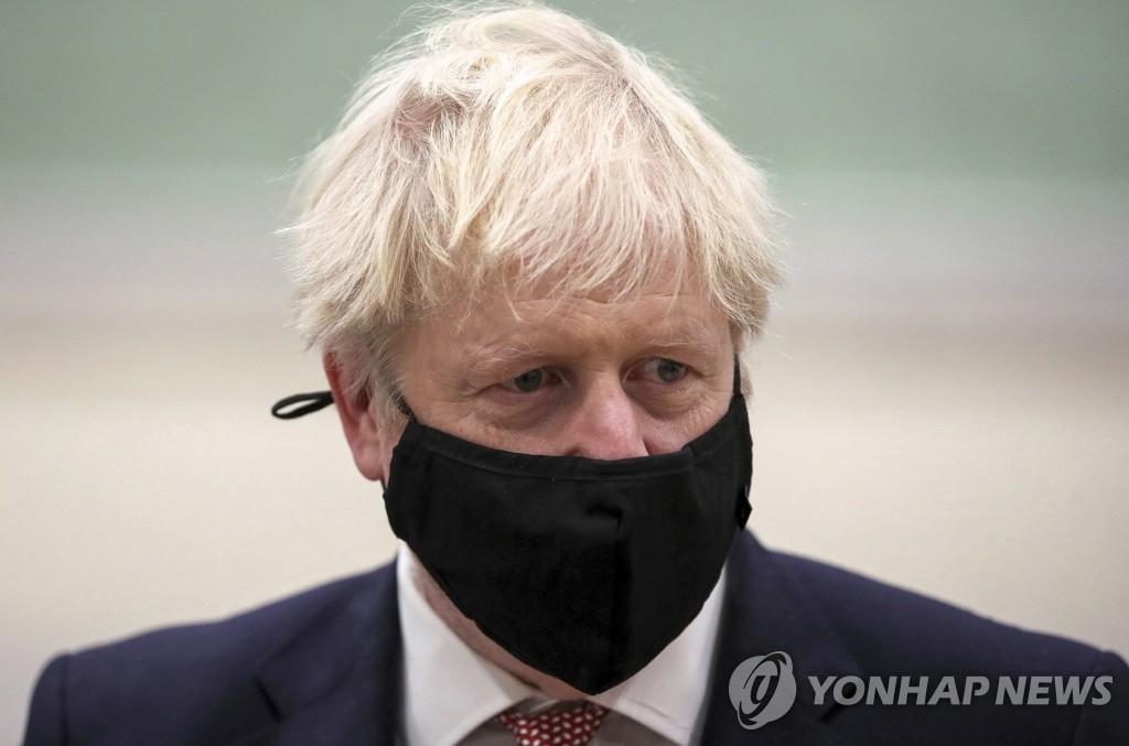 '코로나 봉쇄조치 효과'…영국, 내달 2일 예정대로 해제(종합)