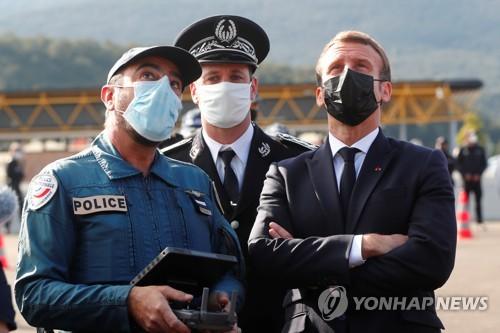 잇단 테러에 골머리…마크롱, EU 국경 경비 강화 촉구