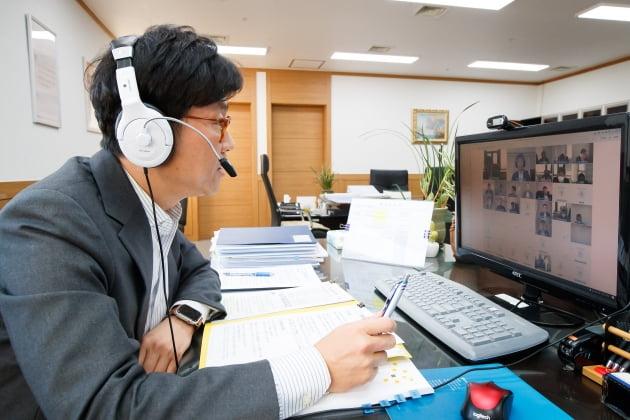 금융위, 내년 6월까지 '개인사업자' 대출 규제 완화
