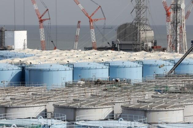 후쿠시마 원전 오염수를 보관해놓은 저장탱크 [사진=EPA 연합뉴스]