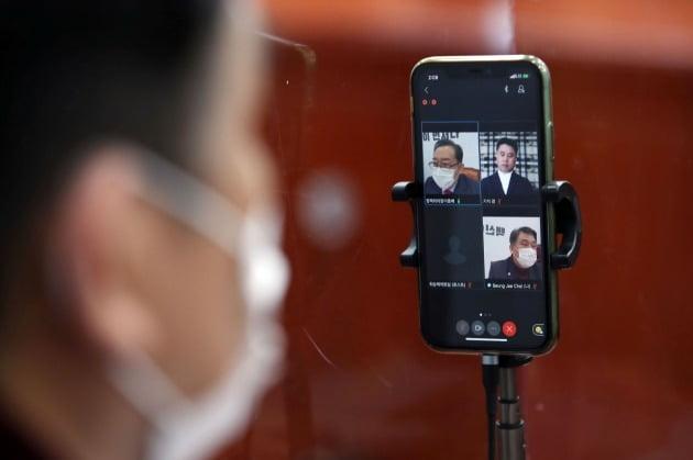 """임이자 """"與 근로기준법도 밀어붙여…환노위원 휴대폰 불난다"""""""