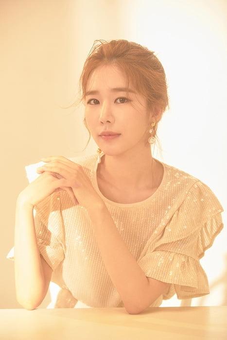 유인나, JTBC '설강화:snowdrop' 캐스팅 확정…외과 의사로 변신