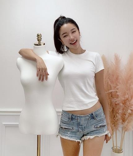 [2020 한국브랜드선호도1위] 쟈니멜로우, 여성 패션의 모든 것