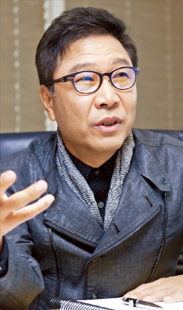 이수만, 'K팝 산업' 토대 닦은 문화대통령…'엔터제국' 꿈꿔