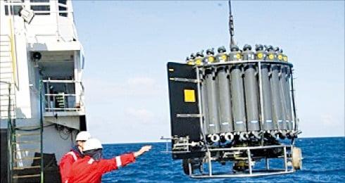 해수염분 측정기기 CTD