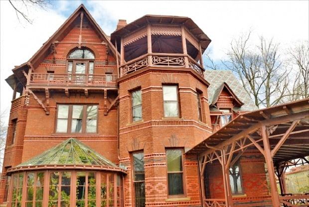 노년을 보낸 코네티컷 주 하트퍼드의 저택.