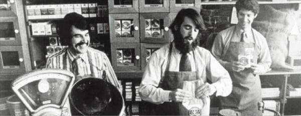 스타벅스 창립자들의 모습.