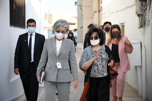 바레인 방문 강경화, 중동 주요국 장관과 연이어 회담(종합)