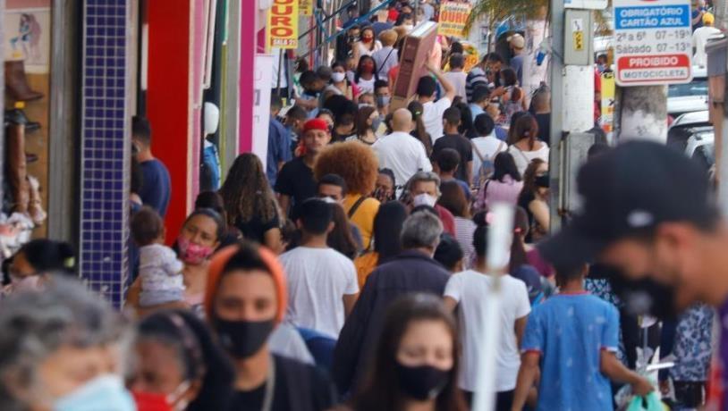 코로나19 재확산 브라질, 성탄·새해맞이 파티 허용 문제로 논란