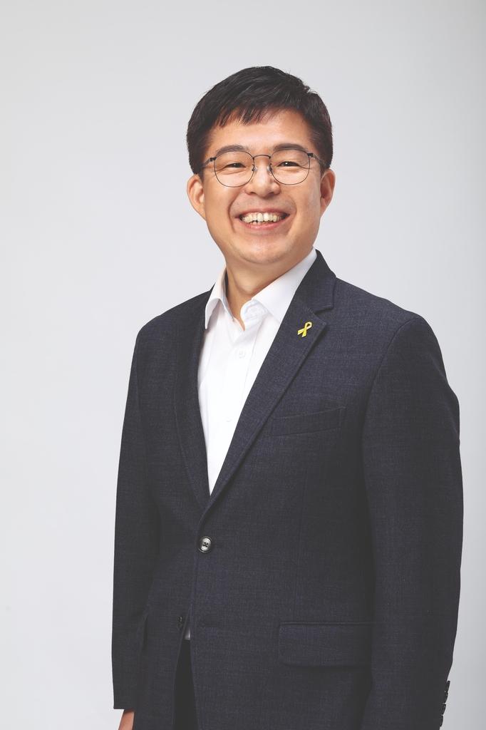 전교조 새 위원장에 전희영 경남지부장…법적지위 회복후 첫선거