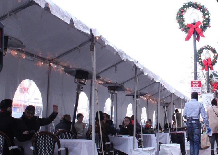"""[르포] 케네디가 청혼한 식당도 임시휴업…""""성탄절 같지 않아"""""""