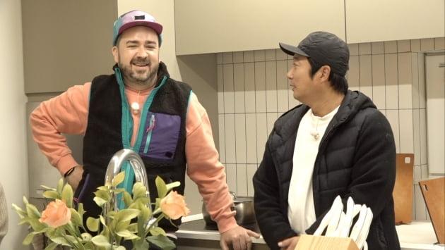 '서울집' 게스트 샘 해미텅(왼쪽), 이수근/ 사진=JTBC 제공