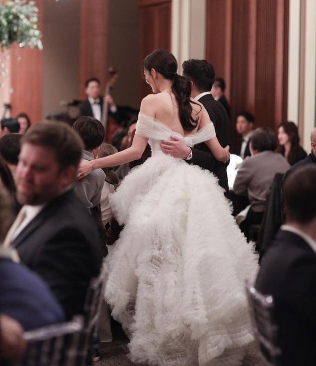 """수현, 결혼 1주년 자축 """"내 생애 가장 행복했던 날"""""""