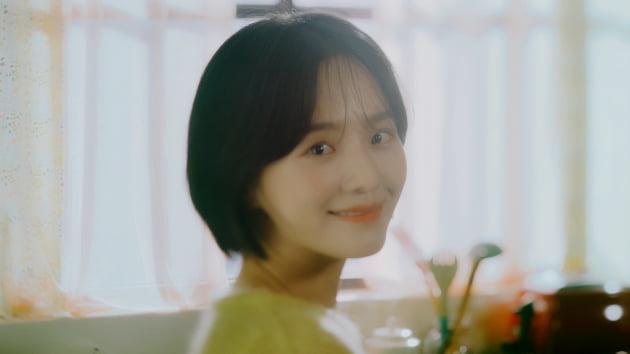 /사진=이승기의 정규 7집 'THE PROJECT'의 타이틀곡 '잘할게' 뮤직비디오