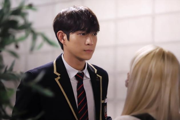 '펜트하우스' 속 김영대/ 사진=SBS, 아우터코리아