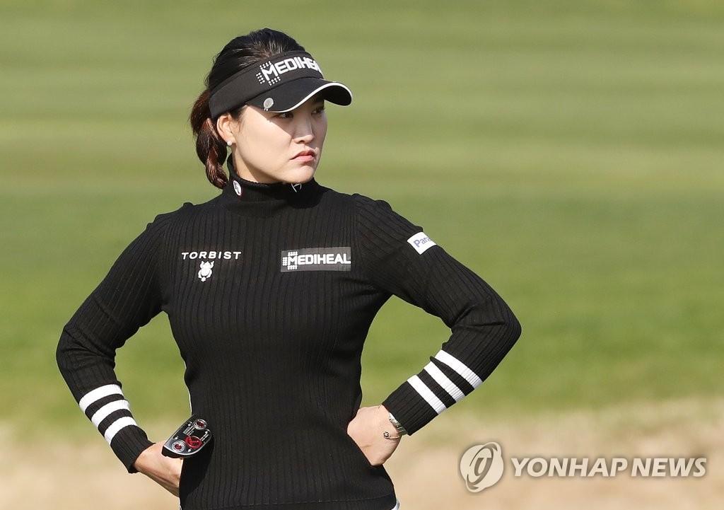 박인비 · 유소연, VOA 클래식 3R 선두 ... 고진요운 4 위