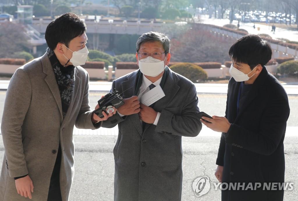 秋·尹 재격돌 D-1…징계위 앞두고 '수싸움' 치열(종합)
