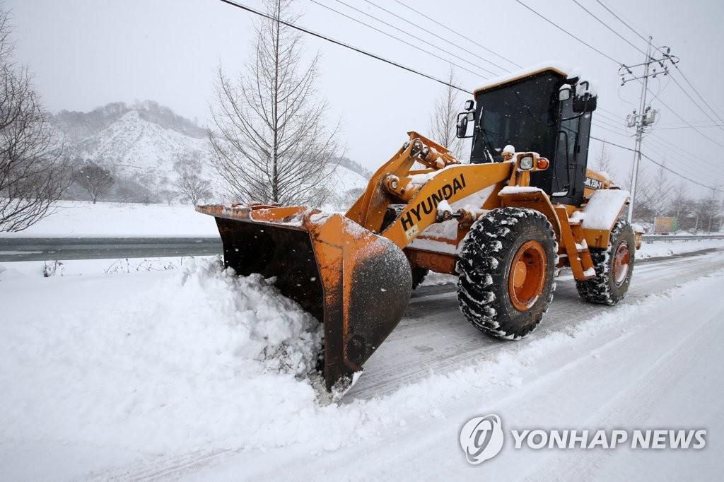 3년 만에 광주 대설경보…기압·온도 차가 눈구름 빚었다