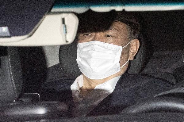 윤석열 검찰총장이 지난 15일 오후 서울 서초구 대검찰청에서 차량을 타고 청사를 떠나고 있다/사진=뉴스1