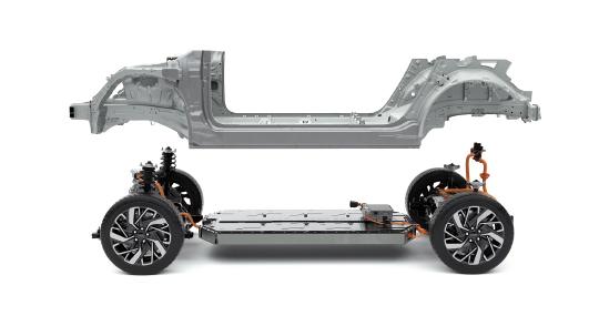 현대차그룹, 전기차 플랫폼 'E-GMP' 공개…한 번 충전에 500km 달린다